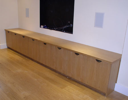 Credenza Conference Room : Credenzas bespoke meeting room & boardroom space